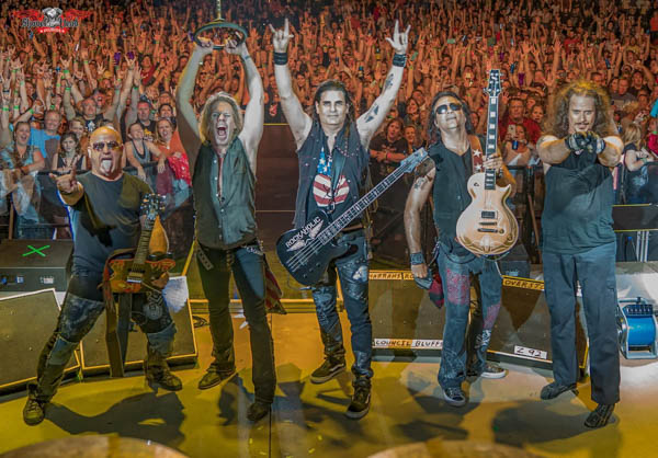 WARRANT Live by Gary Brown-2